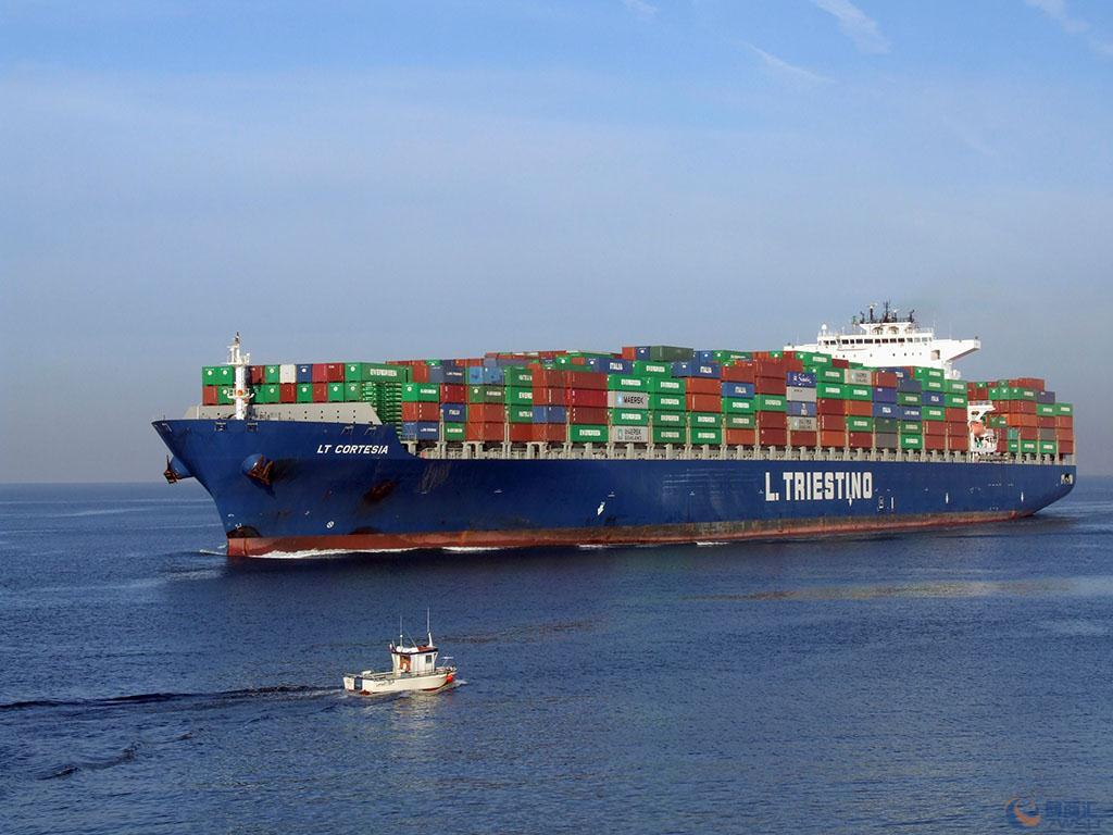 我司是广州市睿航货运代理有限公司,主要承办集装箱海运业务,包括揽货、订舱、仓储、中转、多式联运、集装箱拼接、货物保险代理等物流并提供相关的海运价格查询服务。专业海运运输公司,国内海运运输货运代理,依托中国海运运输集团(CHINA SHIPPING),代理国内沿海集装箱内贸海运。 公司目前已在珠江三角洲及天津、营口、大连、上海、宁波、青岛等设立了子公司和办事处,为广大客户提供高效、完备的服务。 主要经营广东珠三角往返国内沿海城市水运服务,内贸集装箱(DOOR TO DOOR)门到门运输,内河驳船以及拖车运输